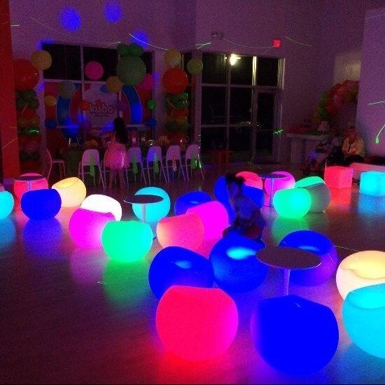 azul-neon-party-project-graduation-ideas-pinterest_2343958