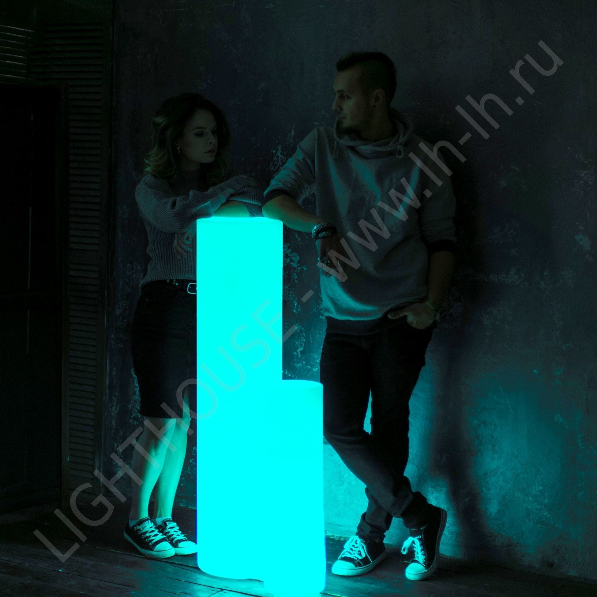 Светящийся LED цилиндр Tower H120 RGB Accum